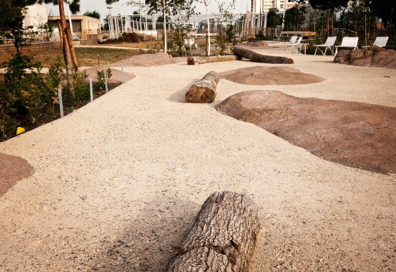 rocher décoratif de sol