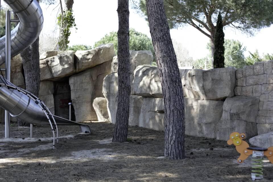 air de jeux faux rocher