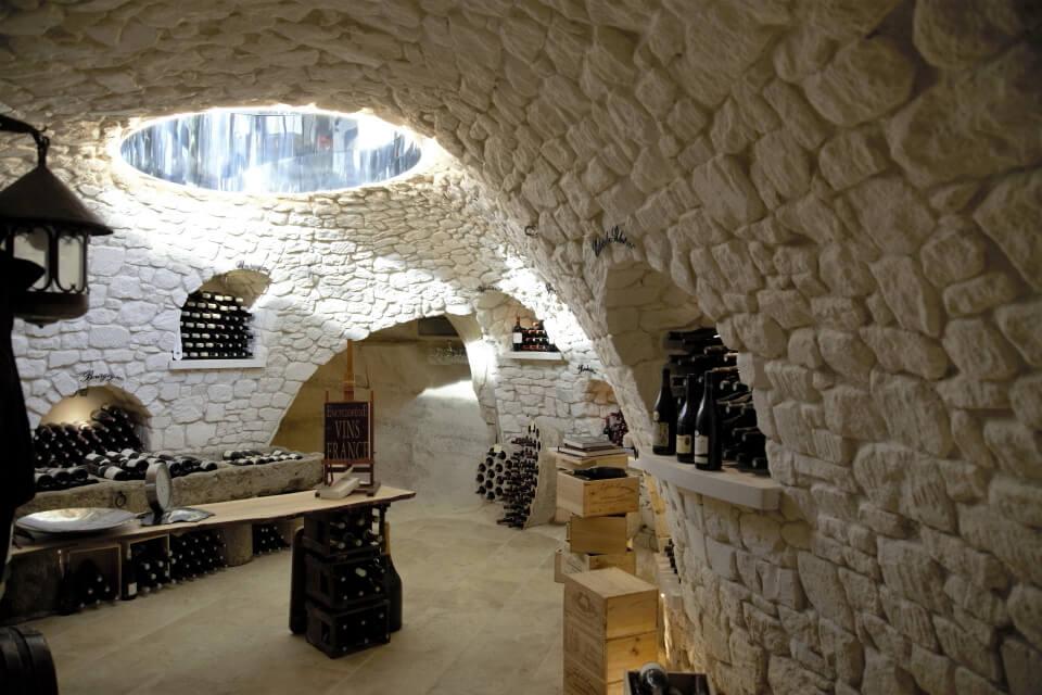 faux rocher cave a vin
